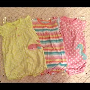 💕Carters baby rompers💕